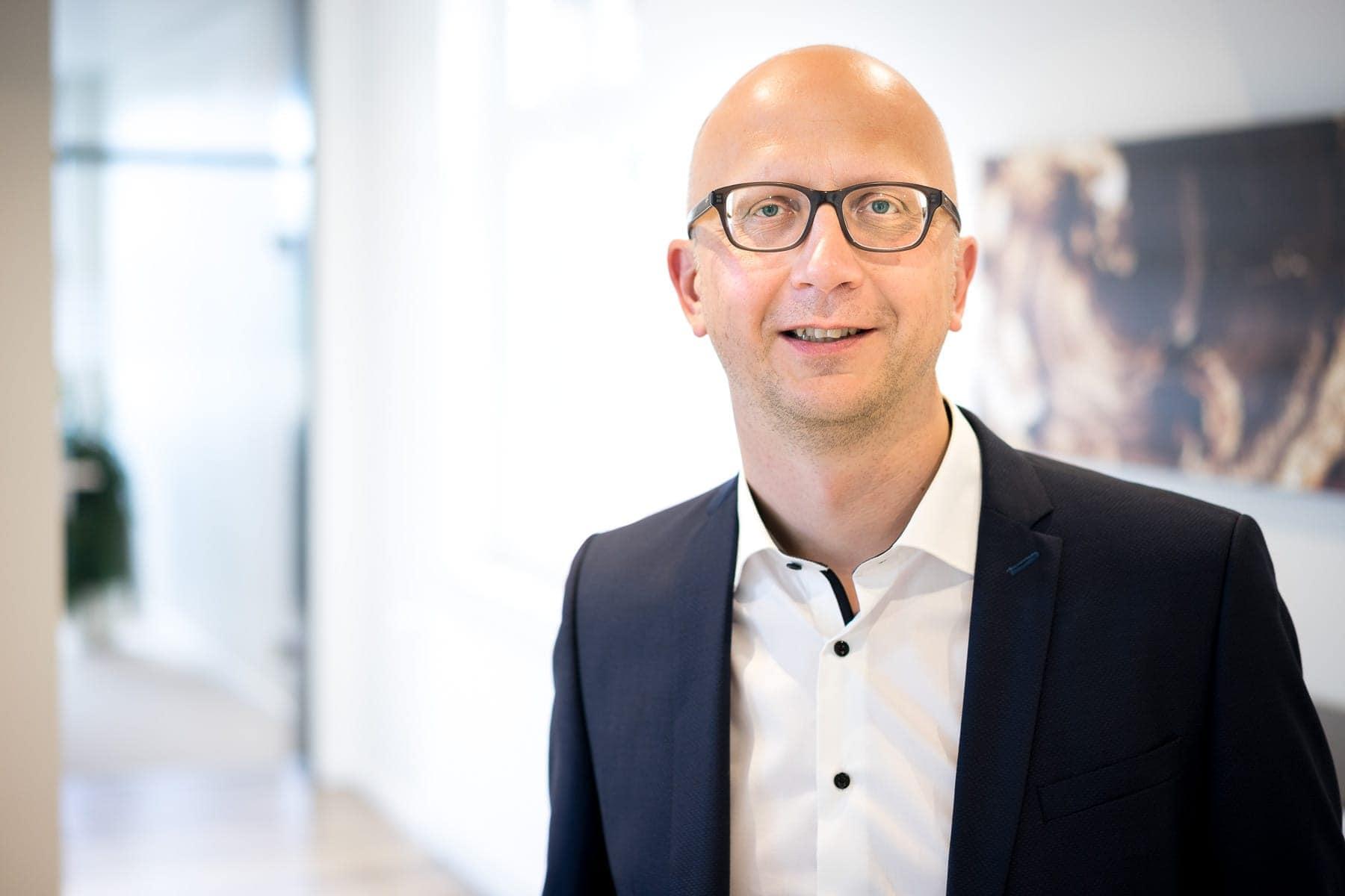 Dr. Stefan Baumeier
